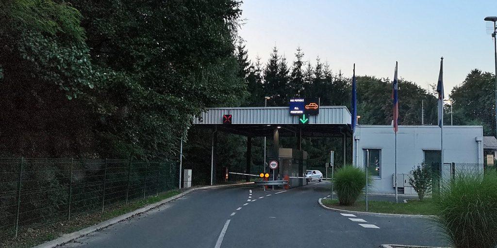 Slowenisches Grenzhäuschen in Razkrižje