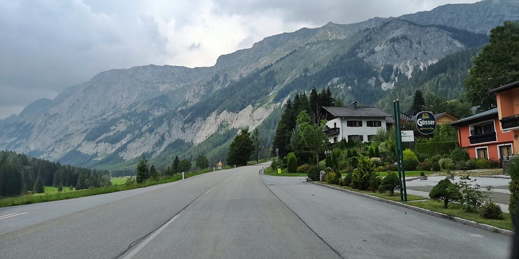 Das Wetter ändert sich am Seeberg-Pass.