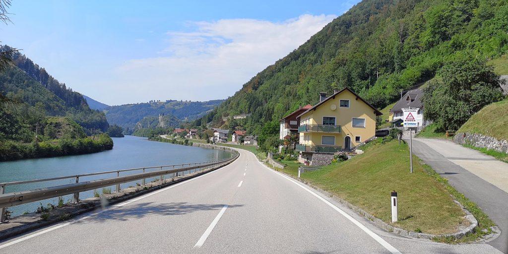 Eisen Straße B115 entlang der Enns bei Losenstein