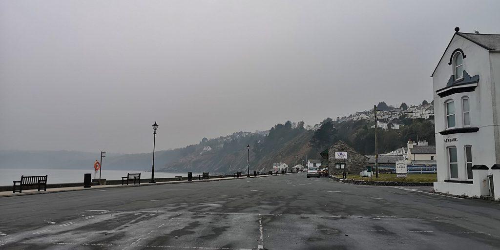 Die Promenade am Hafen von Laxey