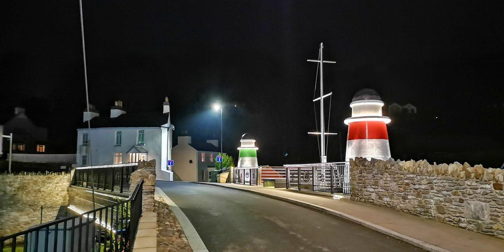Brücke am Hafen bei Nacht, Laxey