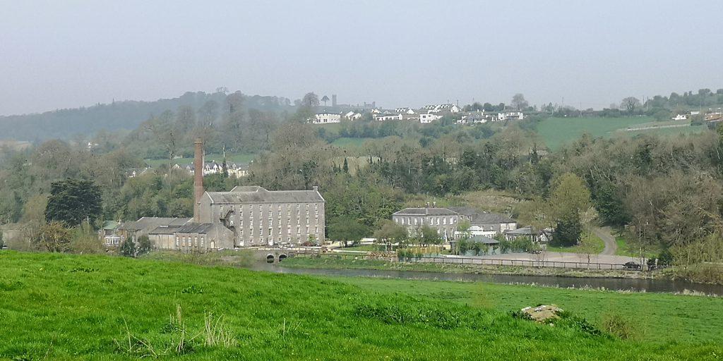 Altes Fabrikgebäude in Slane