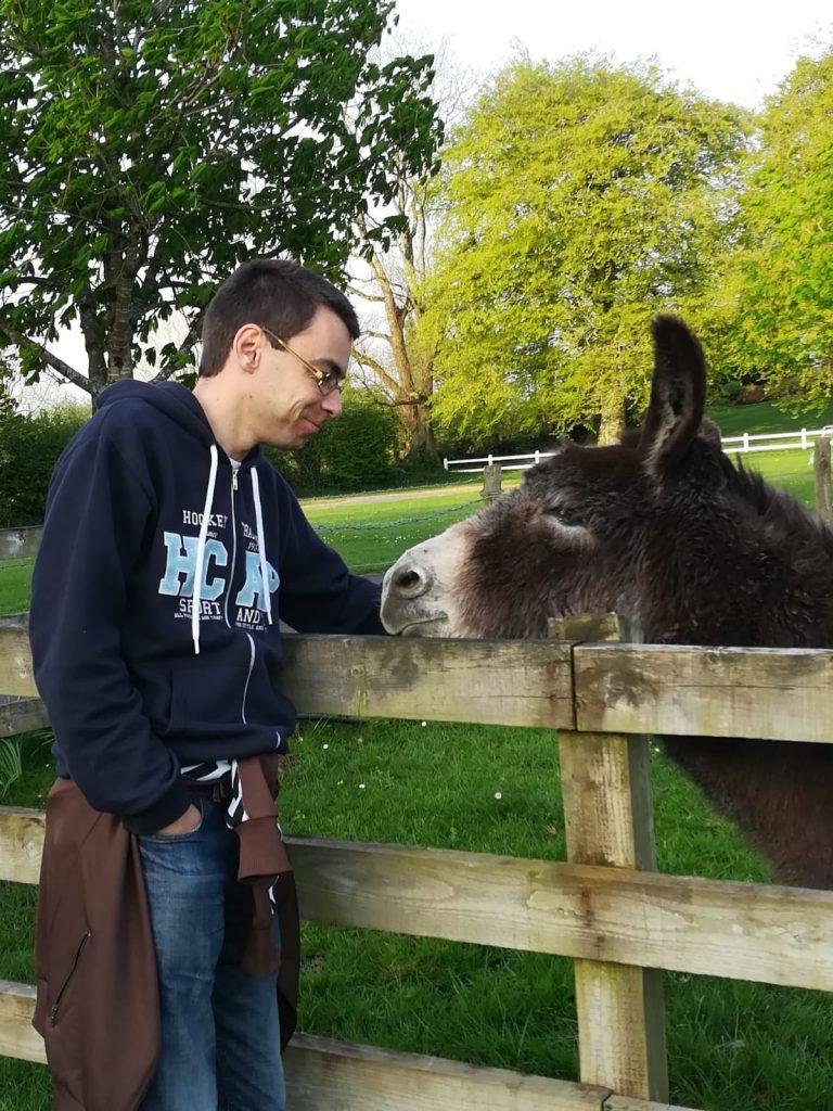 Freunde für einen Abend: Didi und der Esel, Photo ©Angela Schipman