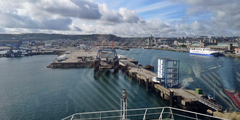 Überpünktliche Ankunft in Cherbourg