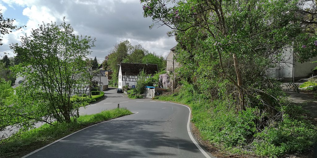 Landstraße bei Hennef (Sieg)
